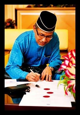 """""""Masalah orang Melayu sekarang ini,ditanya tentang penyakit tidak mudah untuk mengubatinya kerana doktornya juga sakit""""  Mantan Presiden ABIM  Prof Dr Siddiq Fadhil (Murabbi dan Pemikir Islam)"""